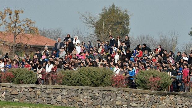 İzmir'de 50 bin kişilik izdiham