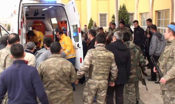 Askeri araç mayına çarptı 6 asker yaralandı