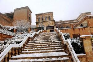Kar tarihi kentte karpostallık manzaralar oluşturdu