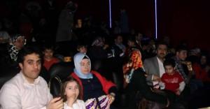 'Selam Bahara Yolculuk' filmi Mardin'de sinemaseverlerle buluştu