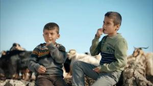 'Dümdük' Diyen Midyat'lı Çocuklara 1000'er TL