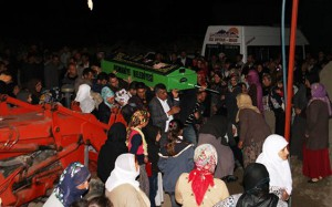 Feci kazada ölen 7 kişi Nusaybin'de toprağa verildi