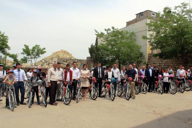 Savur'da öğrencilere 94 bisiklet dağıtıldı
