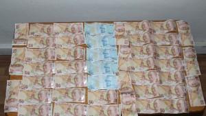 Piyasada sahte para süren 8 kişiden 7'i tutuklandı