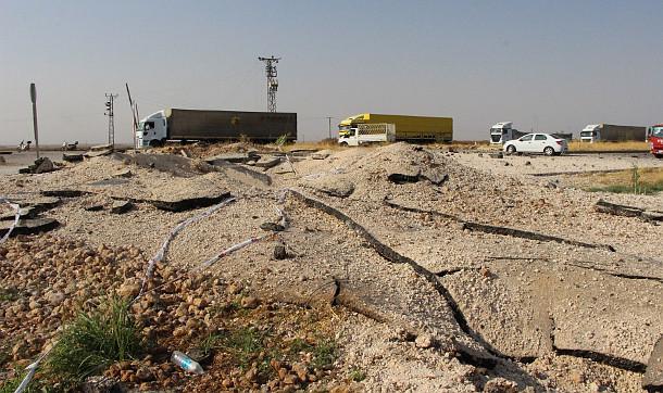 Nusybin'de İpek Yolunda menfeze konan bomba patlatıldı