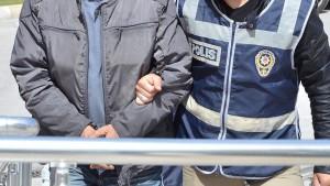 """PKK'ya """"eleman kazandırma çağrısı""""na tutuklama"""