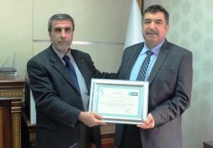 YEŞİLAY'dan Sağlık müdürü Derviş'e teşekkür