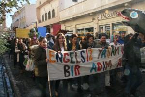 Mardinliler engelliler için yürüdü