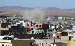 Nusaybin'de tuzaklanmış bomba patladı: 6 polis yaralı