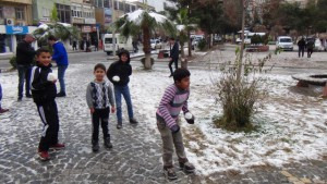 Kızıltepe'de karın keyfi kısa sürdü