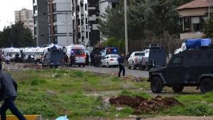 Diyarbakır'da terör saldırısı: 7 şehit, 27 yaralı