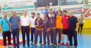 Artuklu Belediyesi Futsal takımı 2 kupa ile döndü