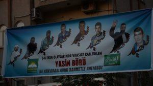 Yasin Börü ve arkadaşlarının fotoğraf afişleri çeşitli yerlere asıldı