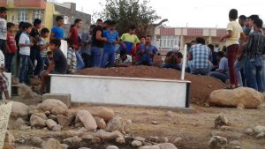 İnşaattan düşen işçi öldü