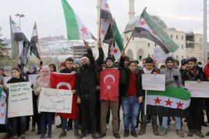 Mardindeki Suriyeliler Halep için toplandı