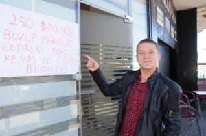 Berberler Türk lirasına sahip çıkıyor