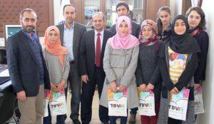 Kız öğrencilerden Haleplilere yardım
