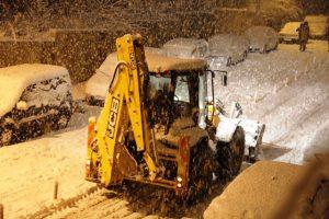 Vatandaşlar kar temizleme  çalışmalarından memnun