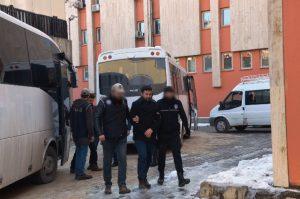 20 Rütbeli Askerden 13'ü Tutuklandı