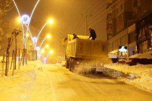Karla mücadeleye halktan tam not