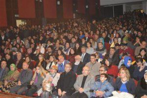 """""""Marko Paşa"""" tiyatrosuna Mardinlilerden yoğun ilgi"""