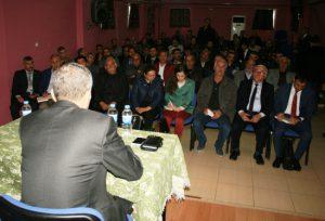 Belediyeye Atanan Kaymakam Erol Korkmaz Esnafla toplantı yaptı