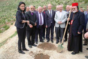 Süryani Liderleri ve Protokol Barış adına Zeytin dikti