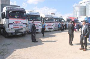 Suriye'ye 21 tır un gönderildi