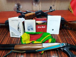 Evinde PKK ve DEAŞ materyalleri bulunan FETÖ şüphelisi tutuklandı