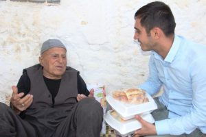 Mazıdağı'da yaşlılara evde yemek hizmeti