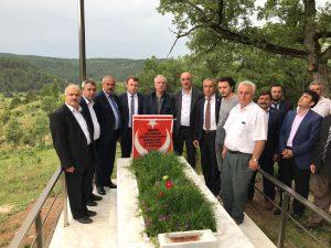 Milletvekili Miroğlu Şerife Özden Kalmış'ın kabrini ziyaret etti