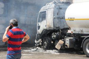 Patlamada yaralanan şoför hayatını kaybetti
