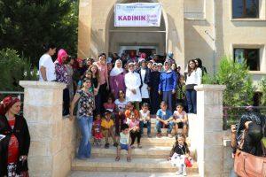 Bayan Yaman Yeşilli'deki kadınların sorunlarını dinlendi