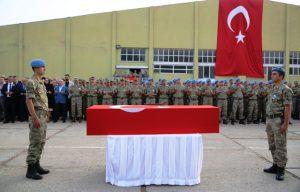 Şehit asker dualarla uğurlandı