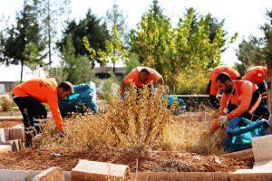 Belediye mezarlıkların bakım ve onarımını yaptı