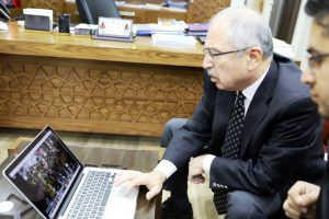 """Vali Yaman """"Yılın Fotoğrafları"""" oylamasına katıldı"""