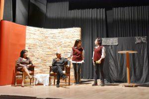 """Nusaybin'de """"Sahte Cennet Sessiz Çığlık"""" oyunu sahnelendi"""
