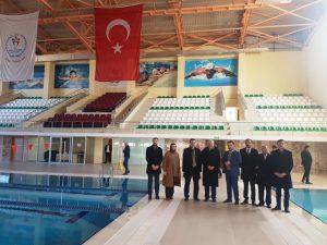 Eri'den yapımı tamamlanan Yarı Olimpik Yüzme Havuzuna ziyaret