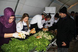 Sığınmacılara yardım