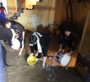 Vatandaşın yardımına polis yetişti