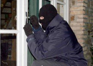 Hırsızlar 24 saat içinde yakalandı