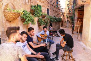 Tarihi sokaklarda müzik ziyafeti