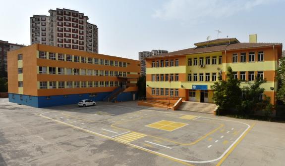 Artuklu Belediyesi Tutaşı İlkokulunu boyadı