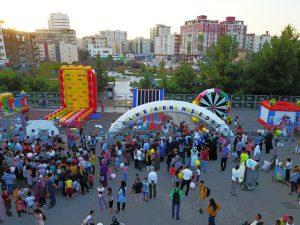 Çocuklar 'Çocuk Eğlence Parkı'nı sevdi