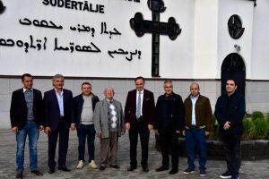 İsveç'te yaşayan Süryanilere Türkiye'ye yatırım daveti