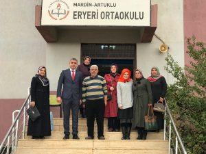 AK Partili kadınlar öğretmenleri unutmadı