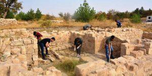 Mardin kalesinde arkeolojik kazı çalışmaları sürüyor