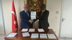 Rektör'den Somali'li mevkidaşına jest