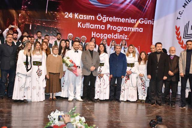 Dillerin ve Dinlerin Korosundan muhteşem konser