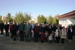 Minikler Atatürk'ü işaret dili ile andı